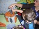 motylki-robia-sok-marchewkowy